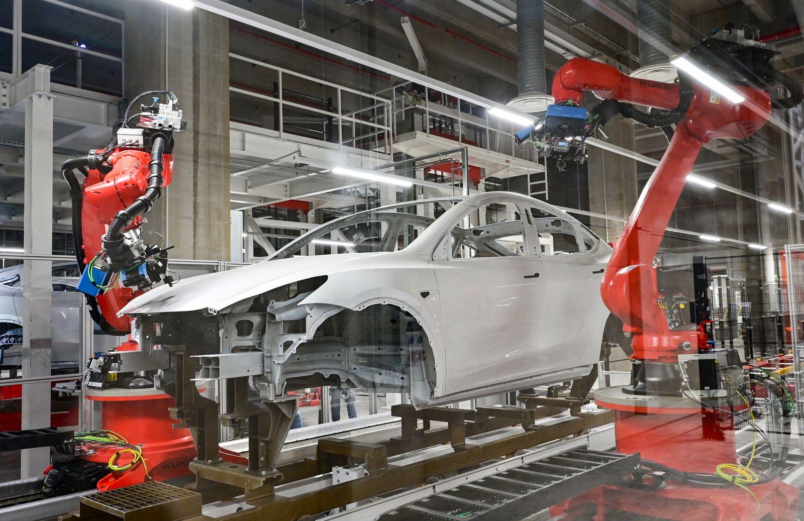 Tag der offenen Tür in der Tesla Gigafactory