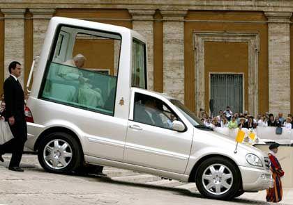 """""""Papamobil"""" von Mercedes-Benz: Beste Kontakte zum Vatikan"""