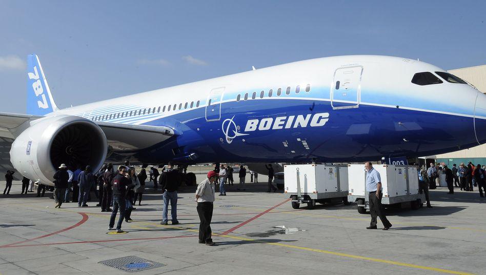 Boeing 787 Dreamliner: Der US-Konzern hat im abgelaufenen Quartal 184 zivile Flugzeuge ausgeliefert