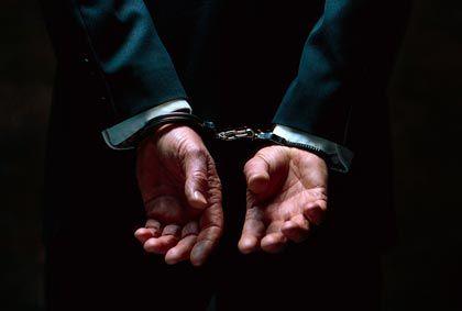 Angeklagt: Immer öfter haben Manager mit dem Staatsanwalt zu tun. Welche Anwälte helfen?