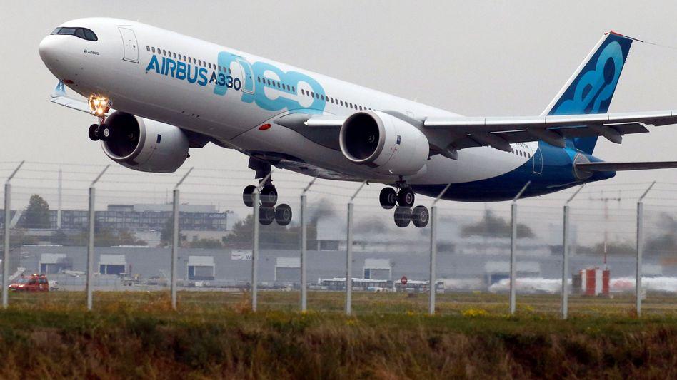 A330neo: Der US-Konzern General Electric verhandelt mit Airbus offenbar darüber, neue Triebwerke für das Großraumflugzeug zu entwickeln und zu bauen