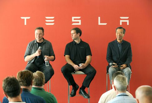 Will Elektroauto-Lieferketten via Rohstoff-Recycling stärken: JB Straubel, Ex-Technikchef und Mitgründer von Tesla (Mitte)