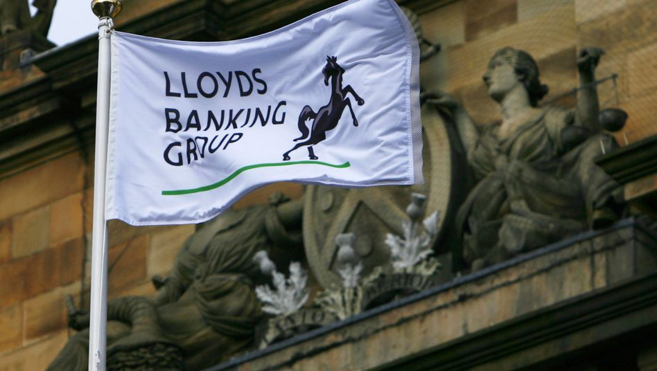 Abstriche von der bisherigen Größe: Lloyds muss Filialen abgeben