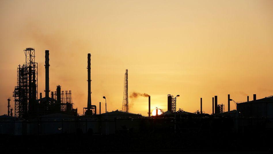 Ölraffinerie: Russland und andere Förderländer wollen Produktion erhöhen