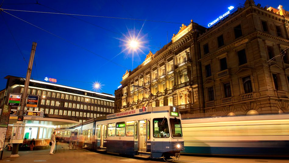 Zürcher Paradeplatz: Der mutmaßliche Drahtzier und Erfinder des Dividenden-Stripping hat sich in die Schweiz abgesetzt