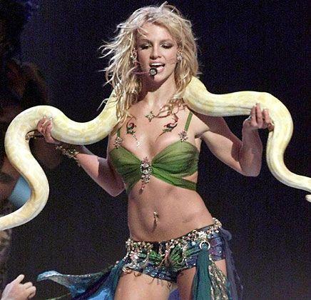 Einkaufstour auf Pump: Bertelsmann schluckt Zomba-Records, den Arbeitgeber von Britney Spears