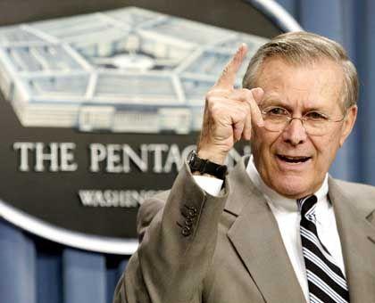 """""""Ich habe davon keine Kenntnis"""": US-Verteidigungsminister Rumsfeld"""