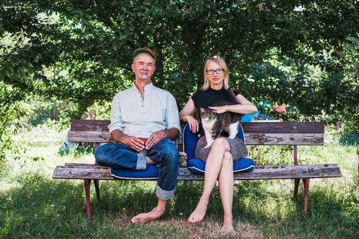 """Jan Hufenbach und Arielle Kohlschmidt zog es in die Lausitz: """"Für 75.000 Euro kriegt man hier ein schönes Haus"""""""