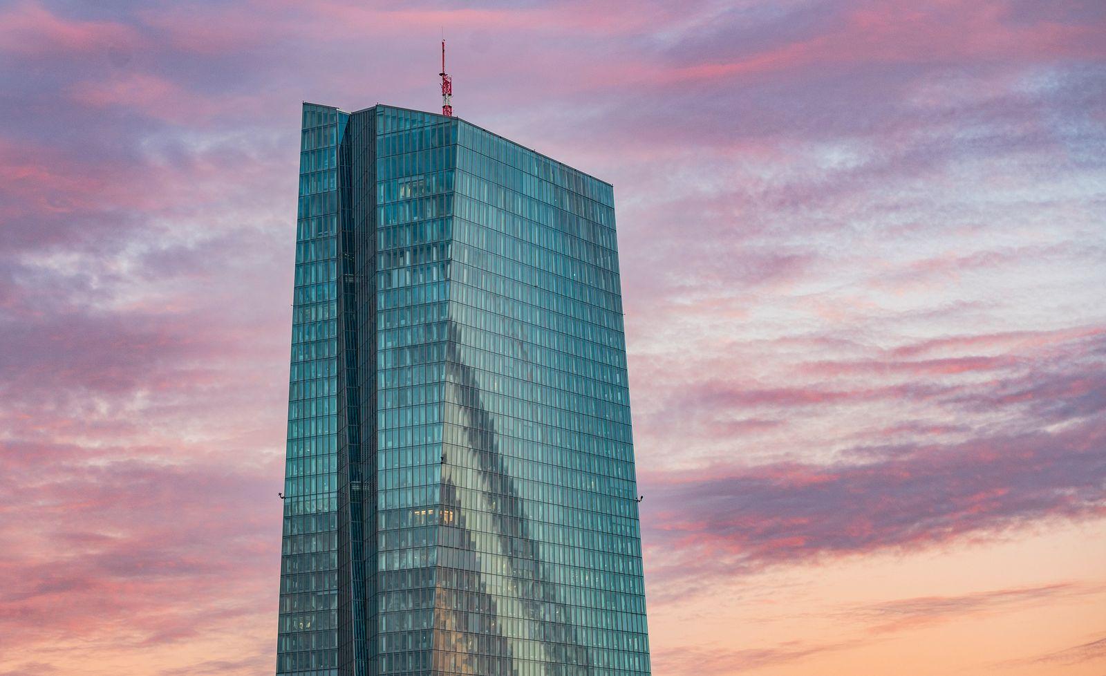 Frankfurter Bankier Müller: EZB sollte Negativzinsen beenden