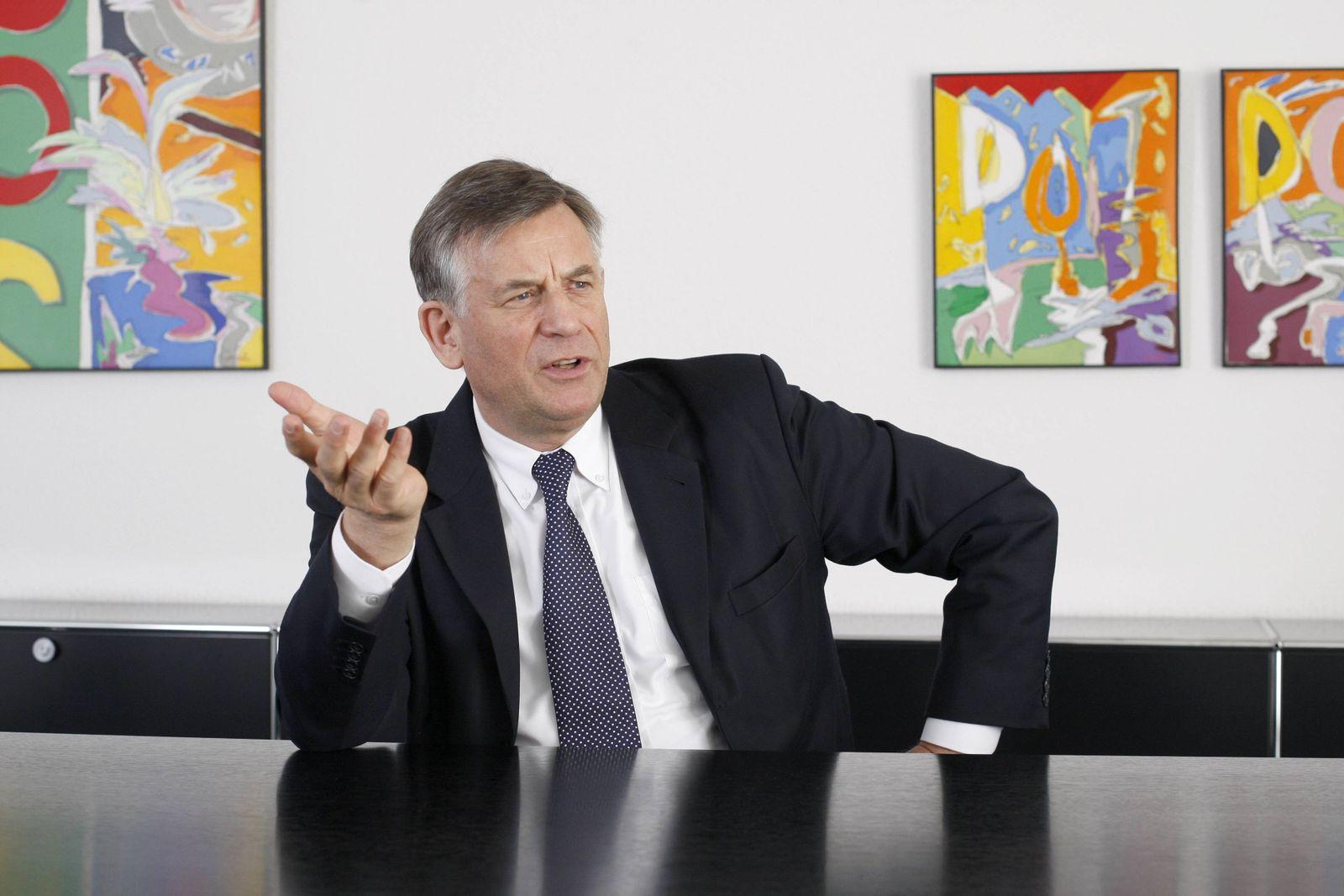 EINMALIGE VERWENDUNG Prof. Hermann Simon