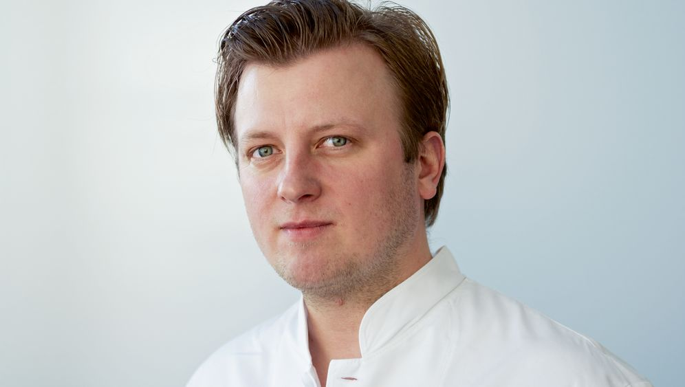 Kochkunst: Kevin Fehling serviert Auster & Aal-Unagi