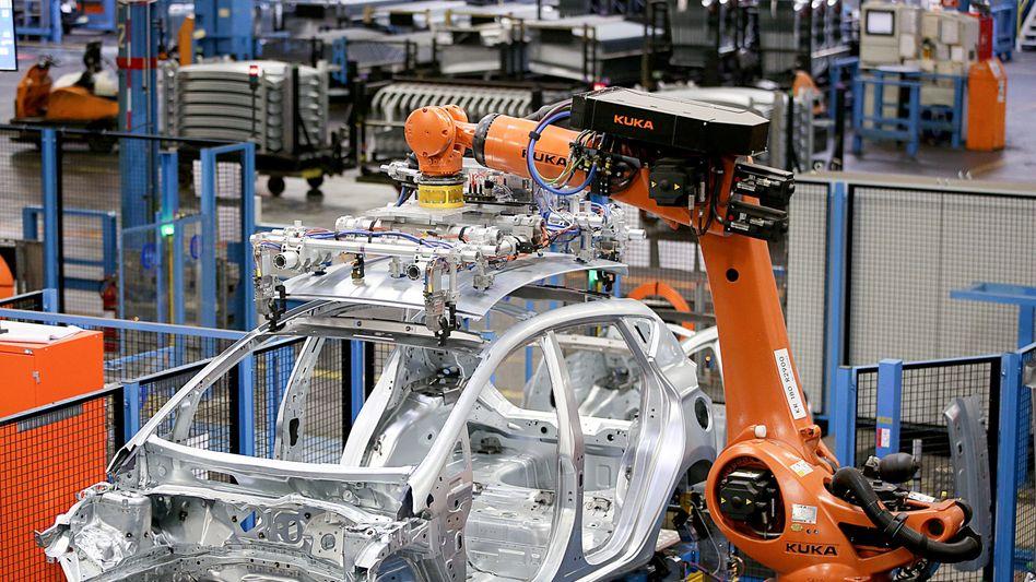 Gefragte Maschinen aus Deutschland: Bei den Produzenten von Investitionsgütern wie Fahrzeugen und Maschinen stieg der Auftragsbestand im Juni um 3,2 Prozent