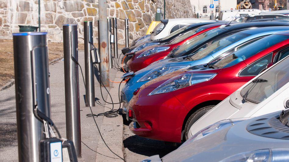 Elektroauto-Ladestation in Oslo: Kostenloses Laden gehört zu den vielen Annehmlichkeiten für Norwegens Elektroauto-Käufer