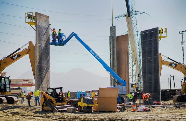 Test-Mauersegmente in Otay Mesa (Kalifornien)