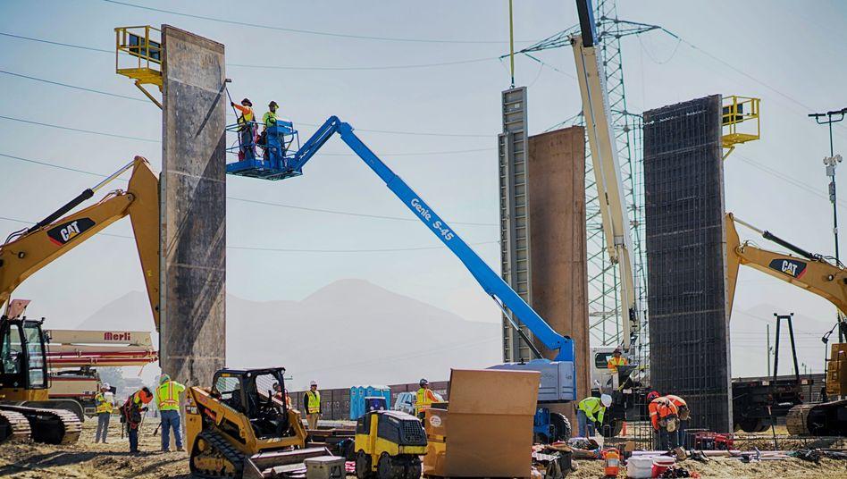 Mauerbau zu Mexiko: Die neue Mauer, eine von Trumps Wahlversprechen, ist nicht immer windfest