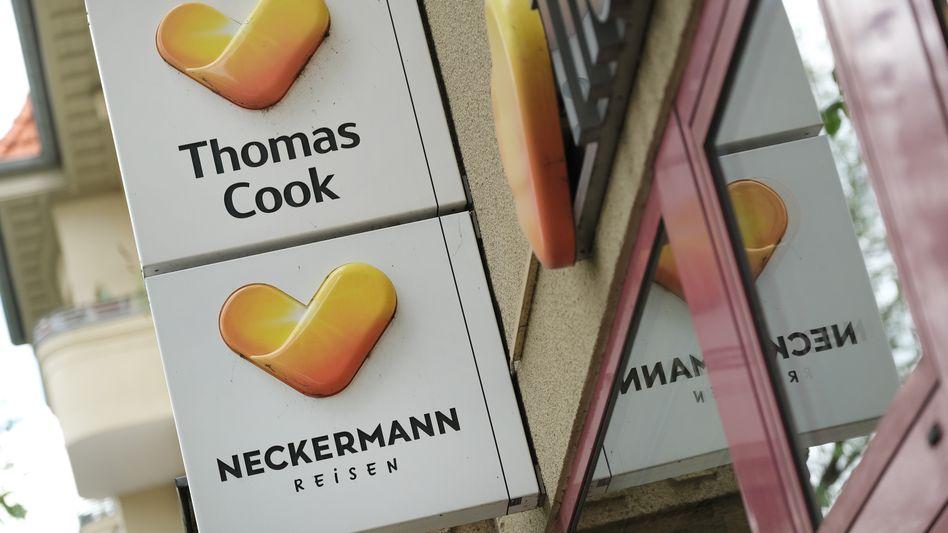 Tui buhlt um Kunden der insolventen Thomas Cook Deutschland und ihrer Töchter. Der Vorstoß dürfte die Rettung von Thoams Cook hierzulande wohl erschweren