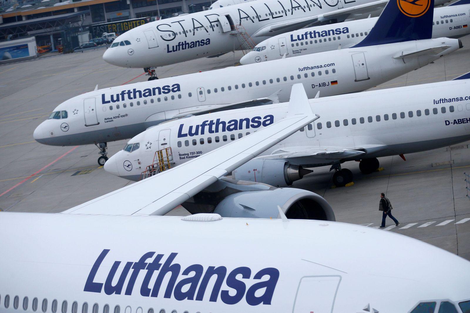 Lufthansa Maschinen Flufhafen Frankfurt