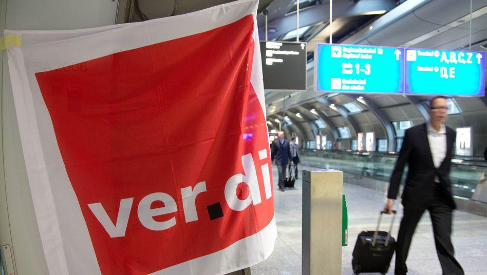 Verdi-Streik im April am Frankfurter Flughafen: Im ersten Halbjahr ging die Zahl der innerdeutschen Flugpassagiere um sechs Prozent zurück