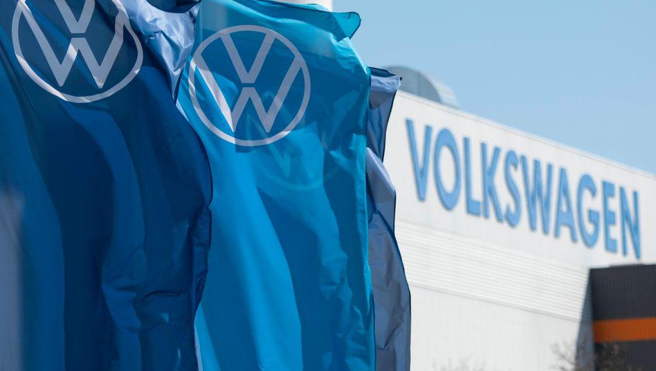 Volkswagen-Werk bei Zwickau: Deutschlands Auto-Primus muss sich im Abgasskandal auch in anderen EU-Ländern mit Fahrerklagen beschäftigen