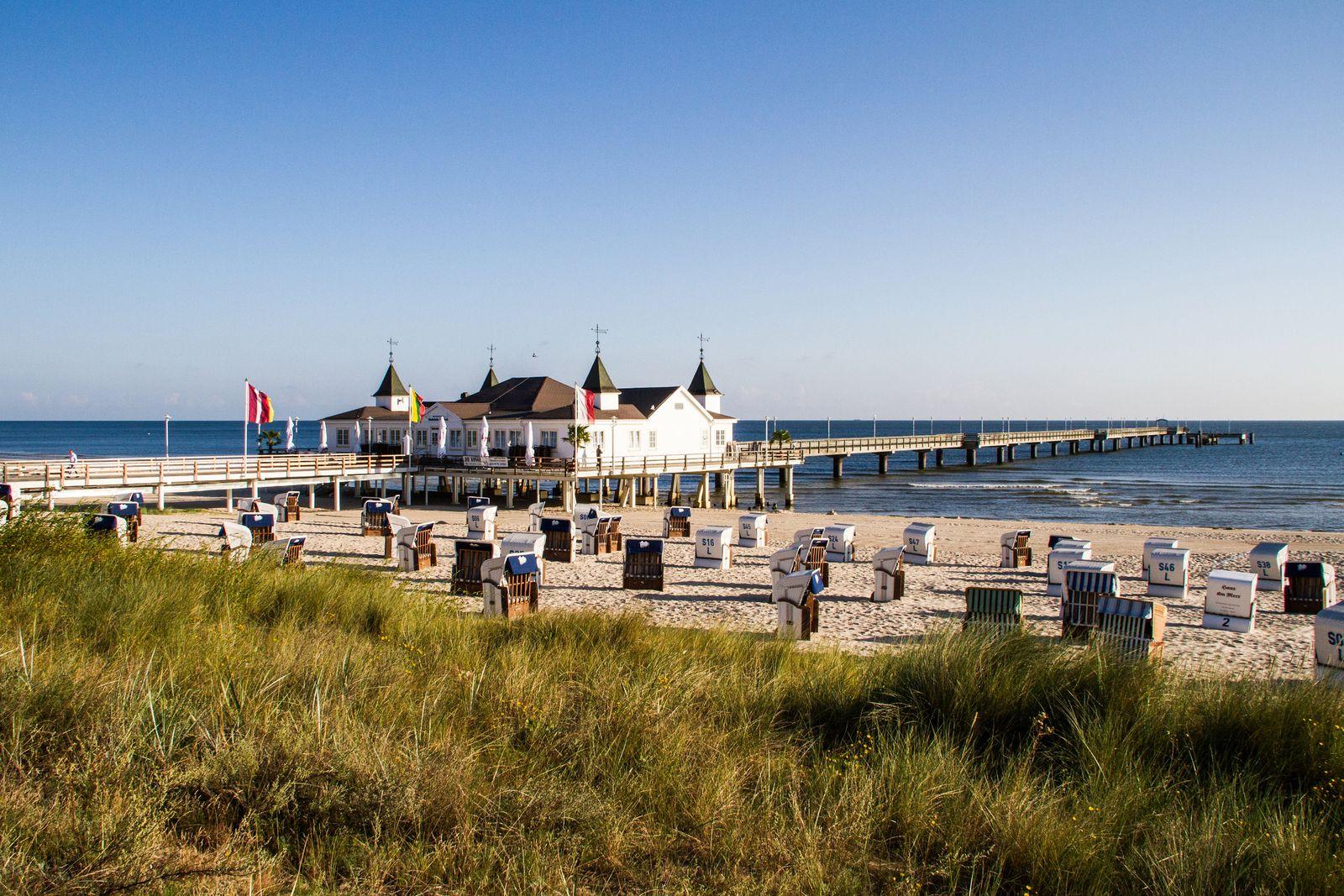 EINMALIGE VERWENDUNG Urlaub mit Sandstrand: Die Ostseeinseln von Fehmarn bis Usedom