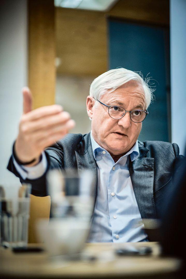 """ABB-Machthaber Peter Voser: """"Göttlich genervt"""" von """"der zentralistischen Wasserkopfstruktur""""."""
