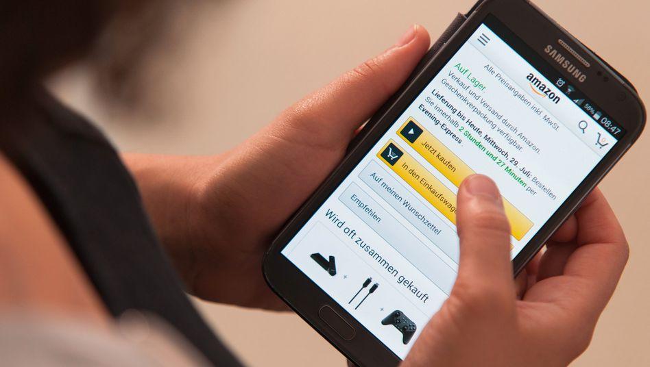 Internetnutzer beim Online-Kauf