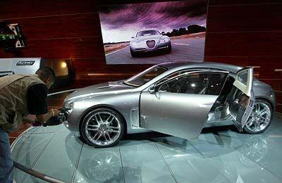 Diesel für Bleifuß: Der Jaguar RD-6 ist bisher nur eine Studie