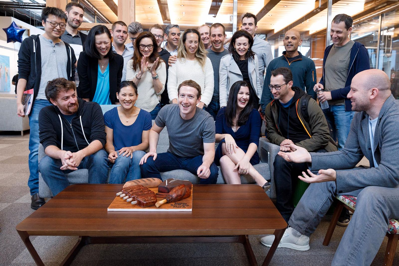 EINMALIGE VERWENDUNG Facebook / Zuckerberg / Sanberg etc.