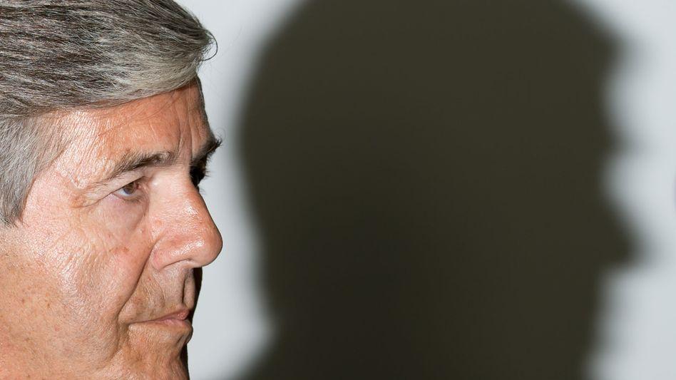 In Verteidigungshaltung geübt: Josef Ackermann bestreitet Mitschuld an Suizid des Zurich-Managers Pierre Wauthier