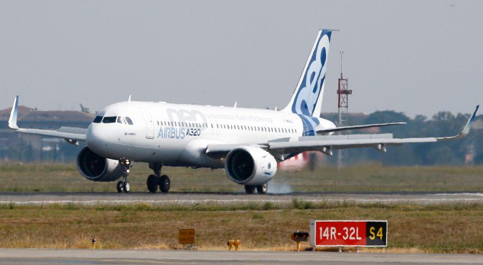 A320neo von Airbus: Der Flugzeugbauer sichert sich mit einer neuen Kreditlinie über 15 Milliarden Euro weiter Liquidität