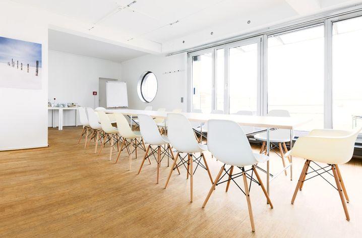 Viel Platz für die ganz große Runde: Das Lilienhof Business Center in Hamburg