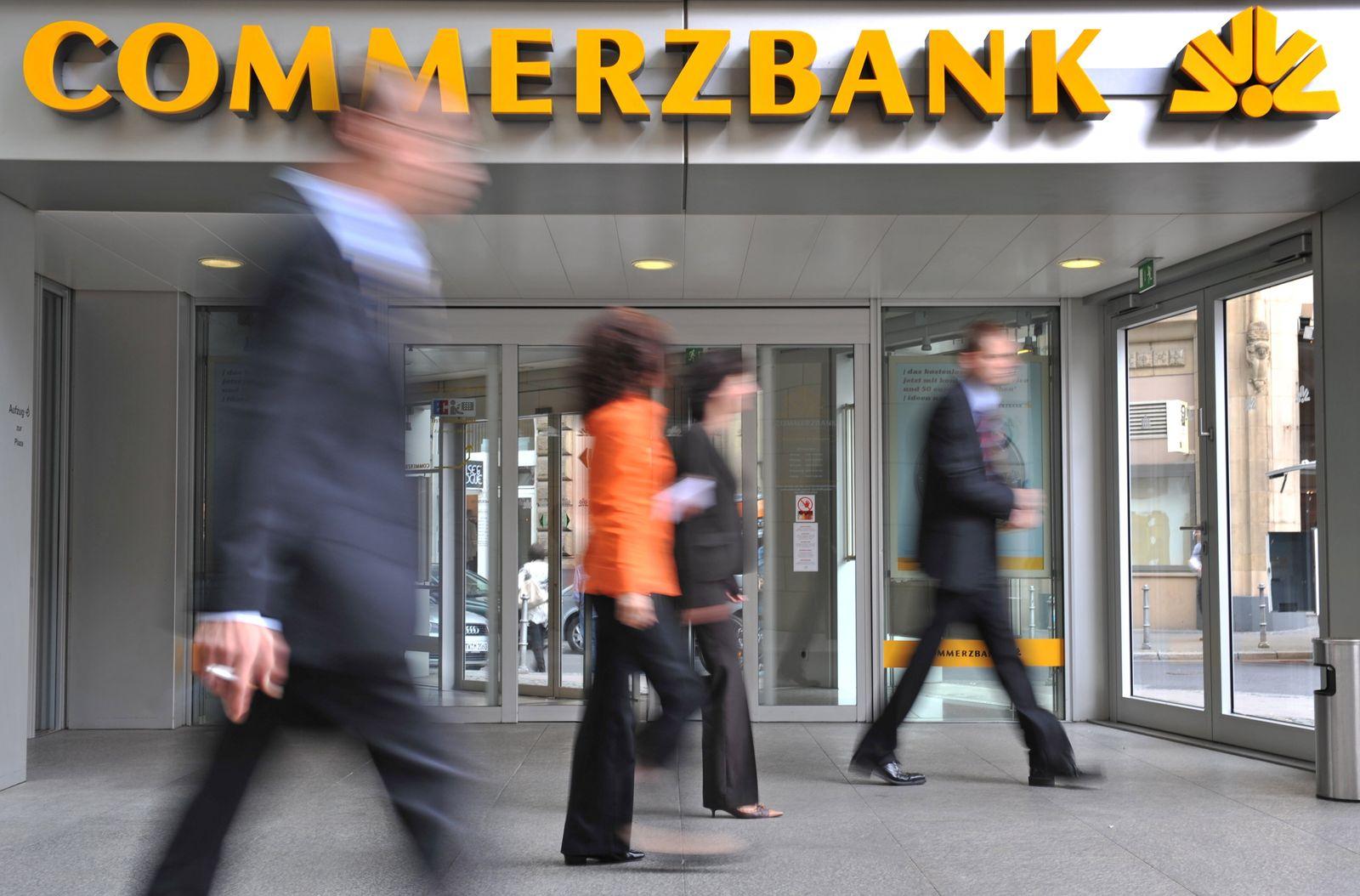 Commerzbank Logo / Filiale