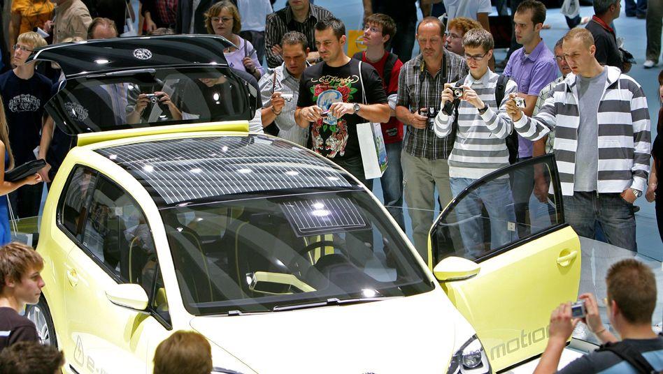 VW-Elektroauto Up!: Politiker fordern einen schnelleren Durchbruch neuer Antriebe
