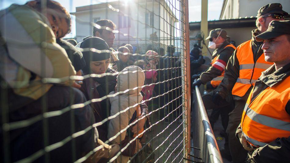 Österreichisch-slowenische Grenze: Die Alpenrepublik will jährlich nur noch einer bestimmten Anzahl von Menschen Asyl gewähren