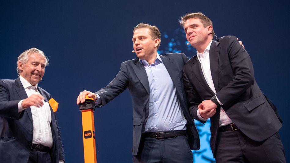 Wechsel in schwierigen Zeiten: Erich Sixt (von links) übergibt Mitte Juni die Führung an seine Söhne Konstantin und Alexander