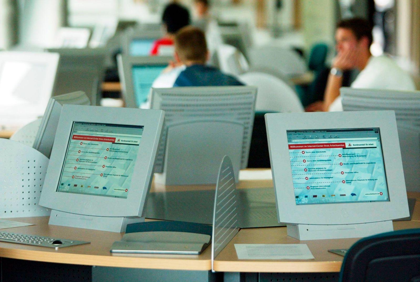 NICHT VERWENDEN Berufsinformationszentrum biz/ Arbeitslosigkeit / Arbeitsmarkt