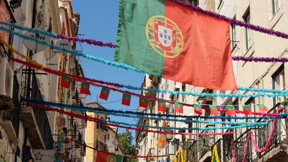 Wer als Nicht-Europäer ein quasi unbeschränktes Aufenthaltsrecht in Portugal begehrt, muss tief in die Tasche greifen