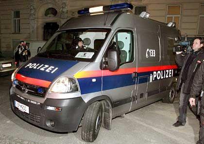 Auslieferung: Erst im Februar 2007 wurde der frühere Bawag-Vorsitzende Helmut Elsner den österreichischen Behörden überstellt