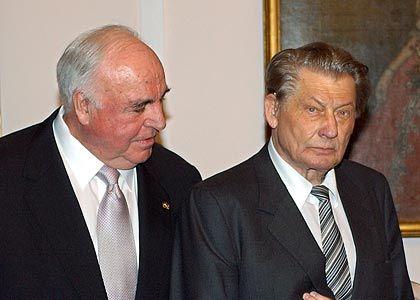 Helmut Kohl, Leo Kirch: Der frühere Medienzar Kirch ist ein Duzfreund des Kanzlers, der die Privatisierung im Fernsehen durchsetzte