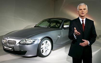BMW-Chef Helmut Panke mit dem neuen Z4 Coupé:2006 soll für den Autobauer ein neues Rekordjahr werden
