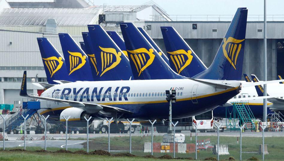"""""""Schwache und kleine Airlines werden die Krise nicht überstehen"""", schätzt Ryanair-Manager Dara Brady. Anwesende ausgenommen."""