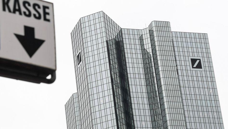 Deutsche Bank: IT-Chef Frank Kuhnke rückt in die Führungsspitze auf, DWS-Chef Nicolas Moreau muss einen Posten räumen