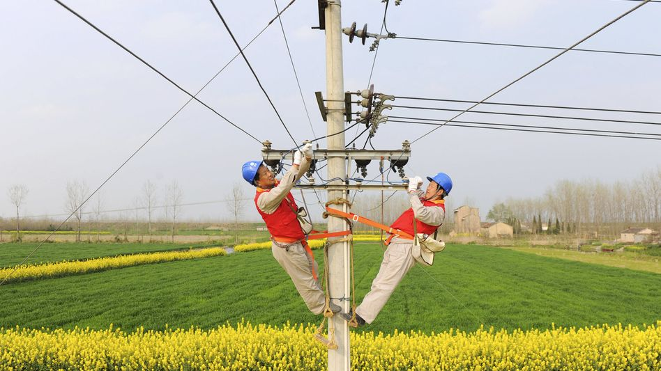 Chinas Staatskonzern SGCC will beim Stromnetzbetreiber 50Hertz einsteigen, die chinesische Yantai Taihai Corp plant zudem den Einstieg beim deutschen Maschinenbauer Leifeld. Beiden Deals hat die Bundesregierung jetzt auf unterschiedlichem Wege einen Riegel vorgeschoben