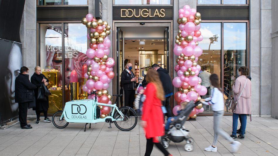 Neuer Douglas-Flagshipstore: Auch für stationäre Parfümerien wird das Weihnachtsgeschäft schwierig