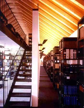 Neueste Literatur stets in Reichweite: Bibliothek der European Business School