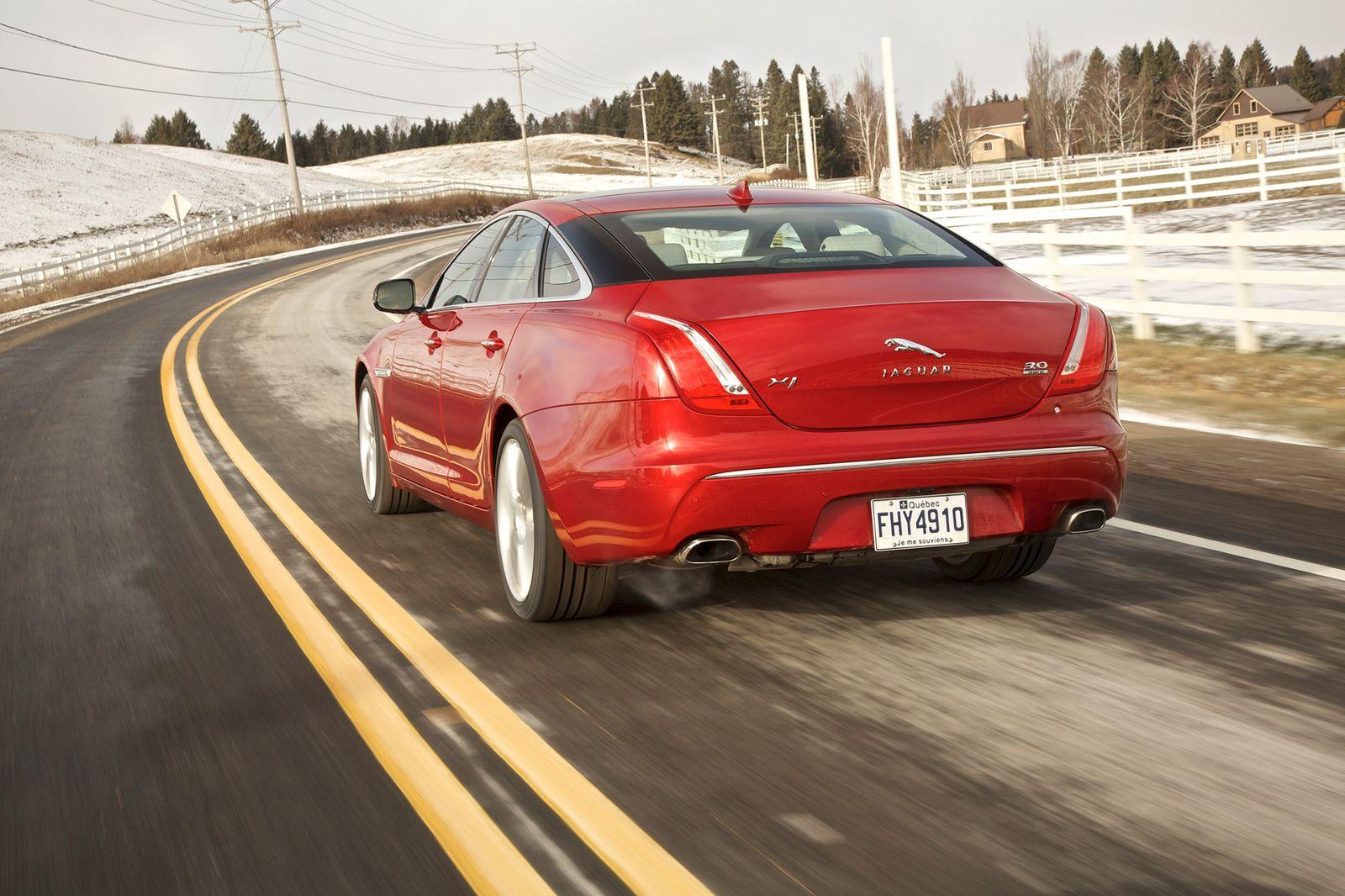 Jaguar XJ AWD / 2012