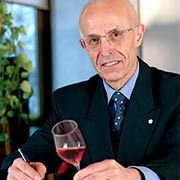 Ein Leben für den Wein: Der gebürtige Franzose Guy Bonnefoit hat in jahrelanger Arbeit eine umfassende Aromadatenbank aufgebaut, die er kontinuierlich weiterentwickelt