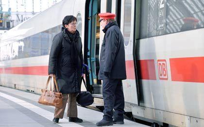 Weniger Geld: Die Bahn will die Lohnerhöhung für ihre Mitarbeiter verschieben