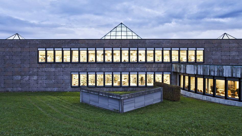 Das Gebäude der Bibliothek der HSG Universität St. Gallen.