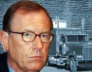 Steuert Freightliner vom Fiasko ins fantasievolle Zukunftsgeschäft? DaimlerChryslers Vorstandschef Jürgen Schrempp